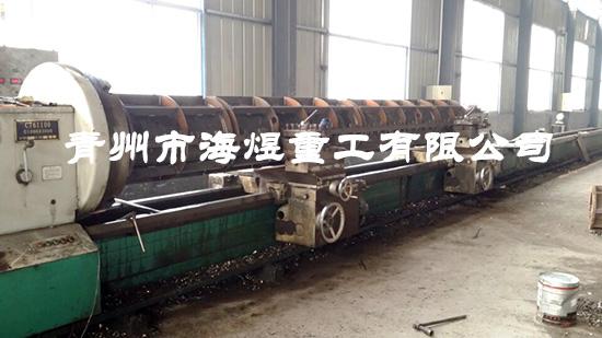 生产中的6米水泥井管模具