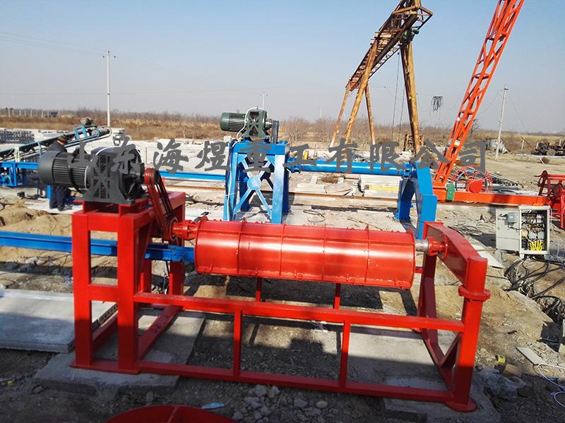 安装中的水泥制管机
